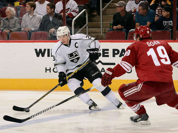 Jones, Kings shut out struggling Coyotes