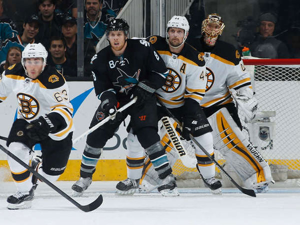 Sharks rally from early deficit to outscore Bruins