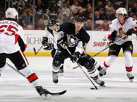 Ehrhoff helps Penguins rally past Senators