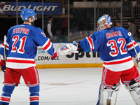 Raanta solid for Rangers again in win against Flames