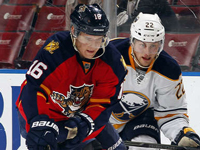Panthers center Barkov out with broken hand: report