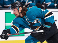 Karlsson expects to be in Sharks lineup to start playoffs