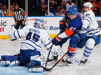 Isles prove too much for Leafs, win 3-2 at home