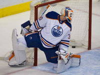 Oilers: Scrivens falters in finale and opens door for Fasth